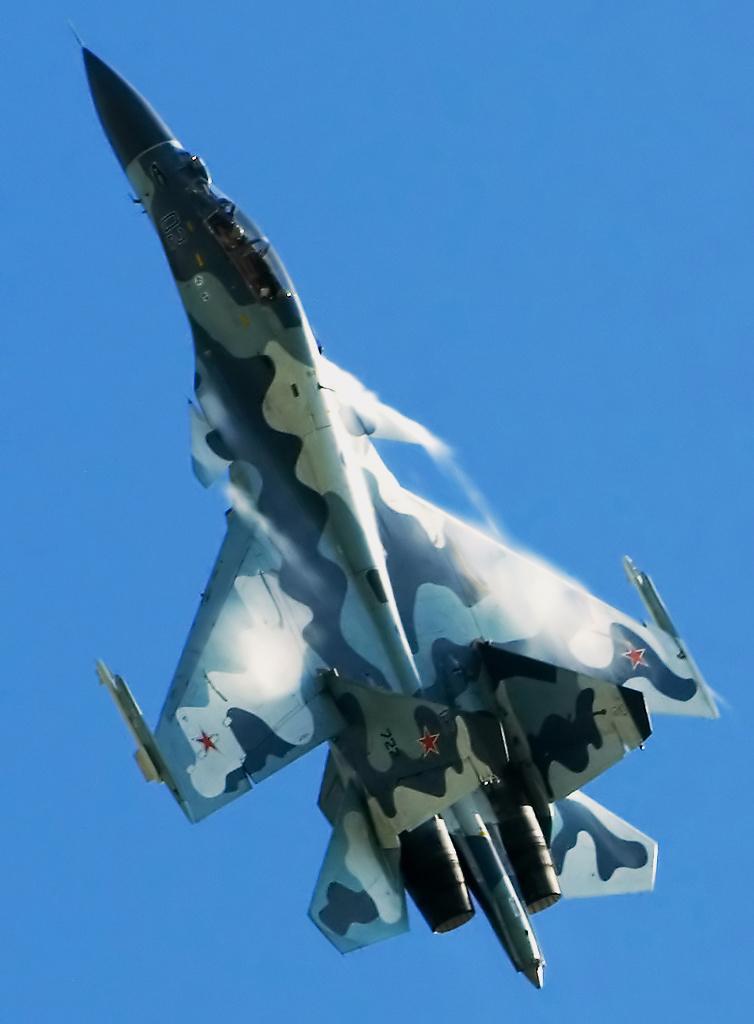In flight (3903416597).jpg