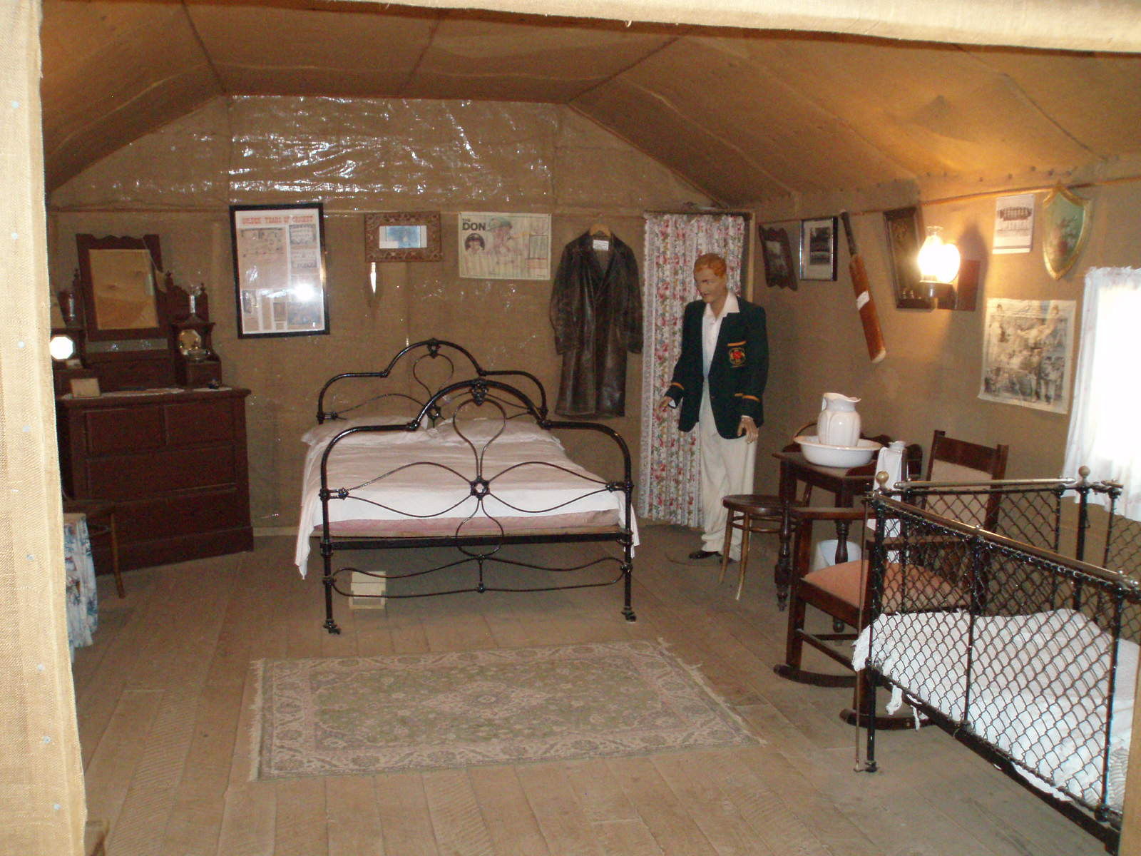 FileInside Bradmans Cottage At Temora Rural Museum 1