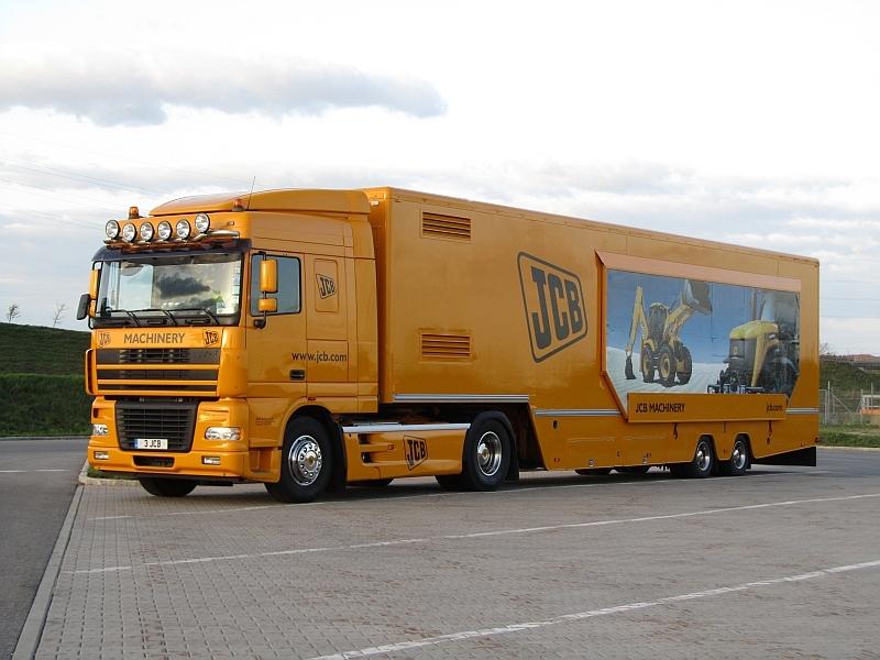File:JCB Truck 2011.jpg