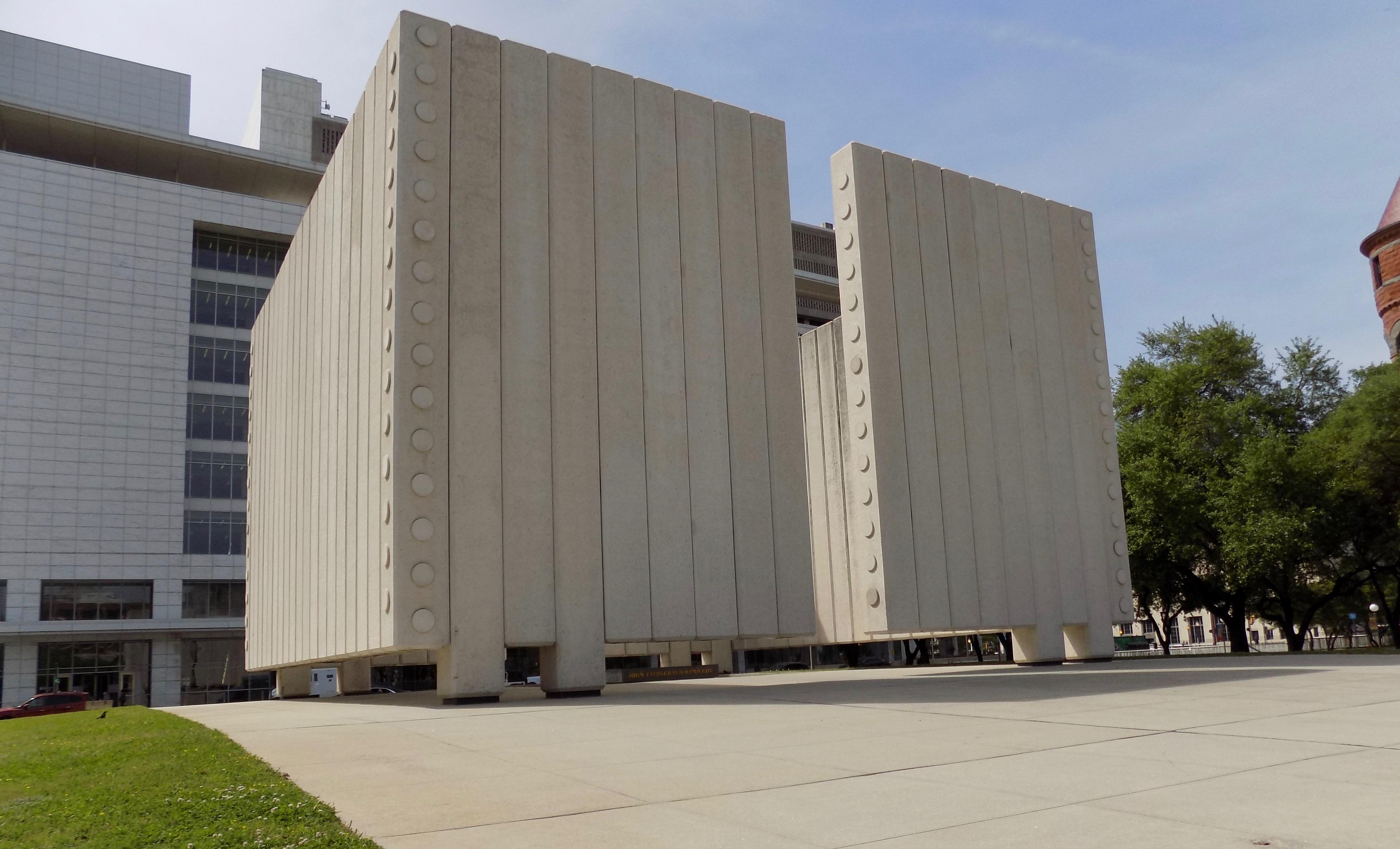 John F. Kennedy Memorial Plaza 04081801.jpg
