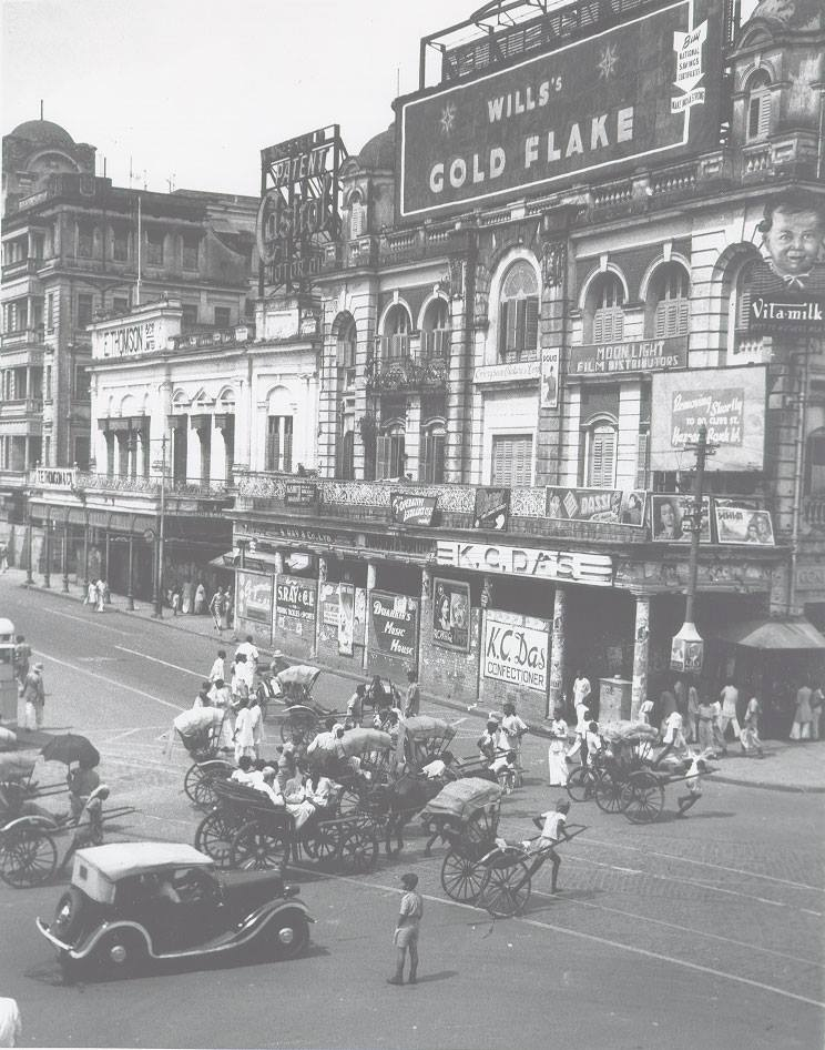 The KC Das shop in Esplanade East, Kolkata, in 1944. Photo credit: AnimikhRoy967/Wikimedia Commons [Creative Commons Attribution-Share Alike 3.0 Unported Licence].