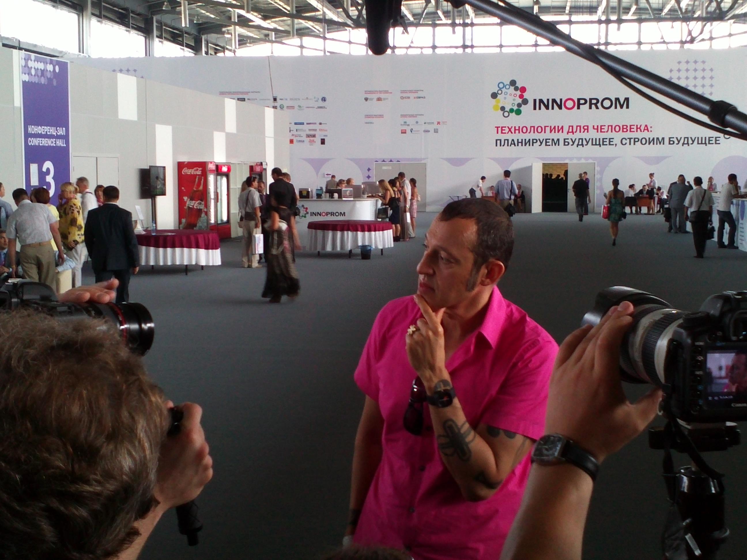 Karim Rashid talks to press at [[Innoprom]] 2012.