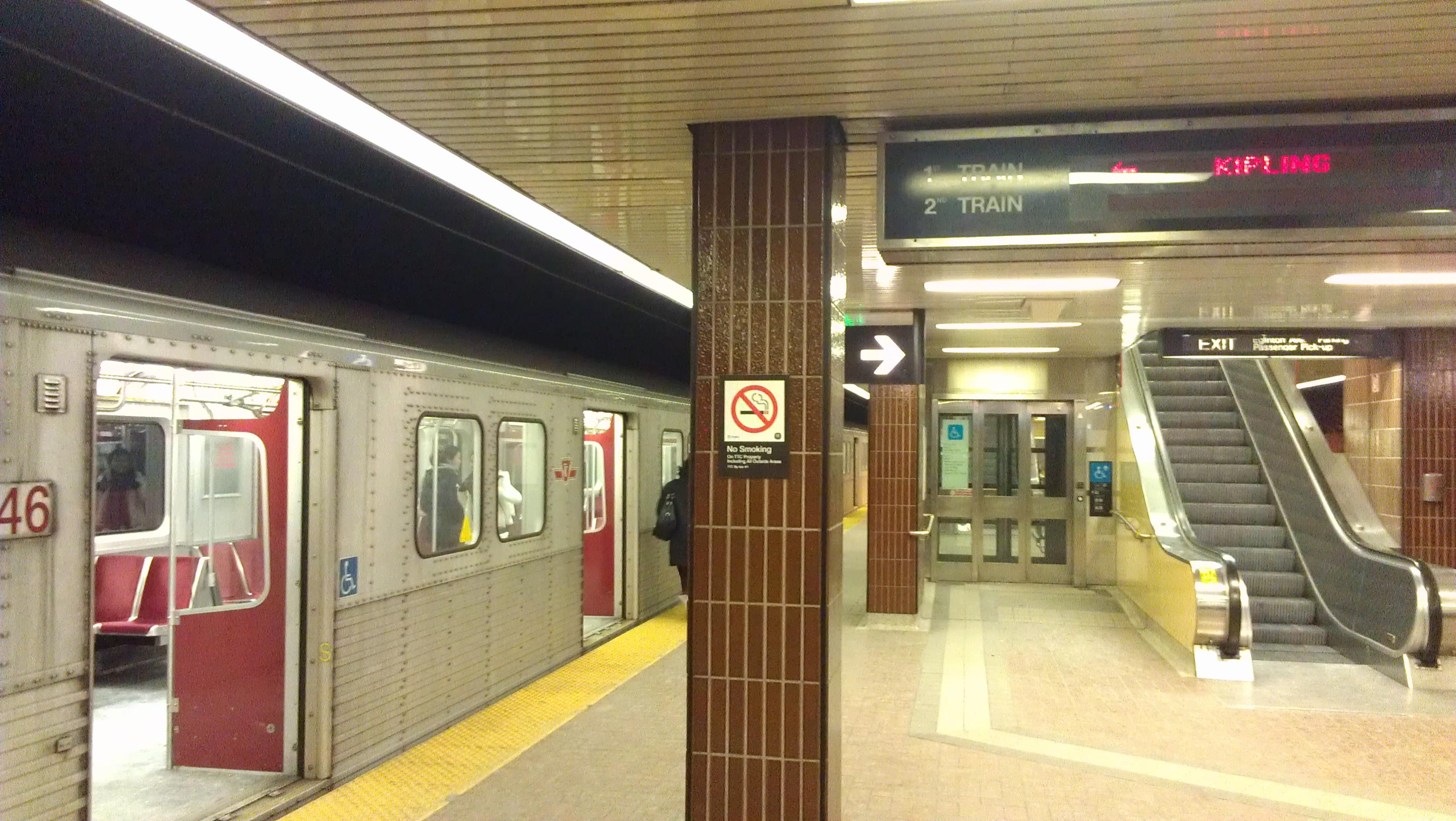 File:Kennedy TTC subway platform.jpg - Wikimedia Commons