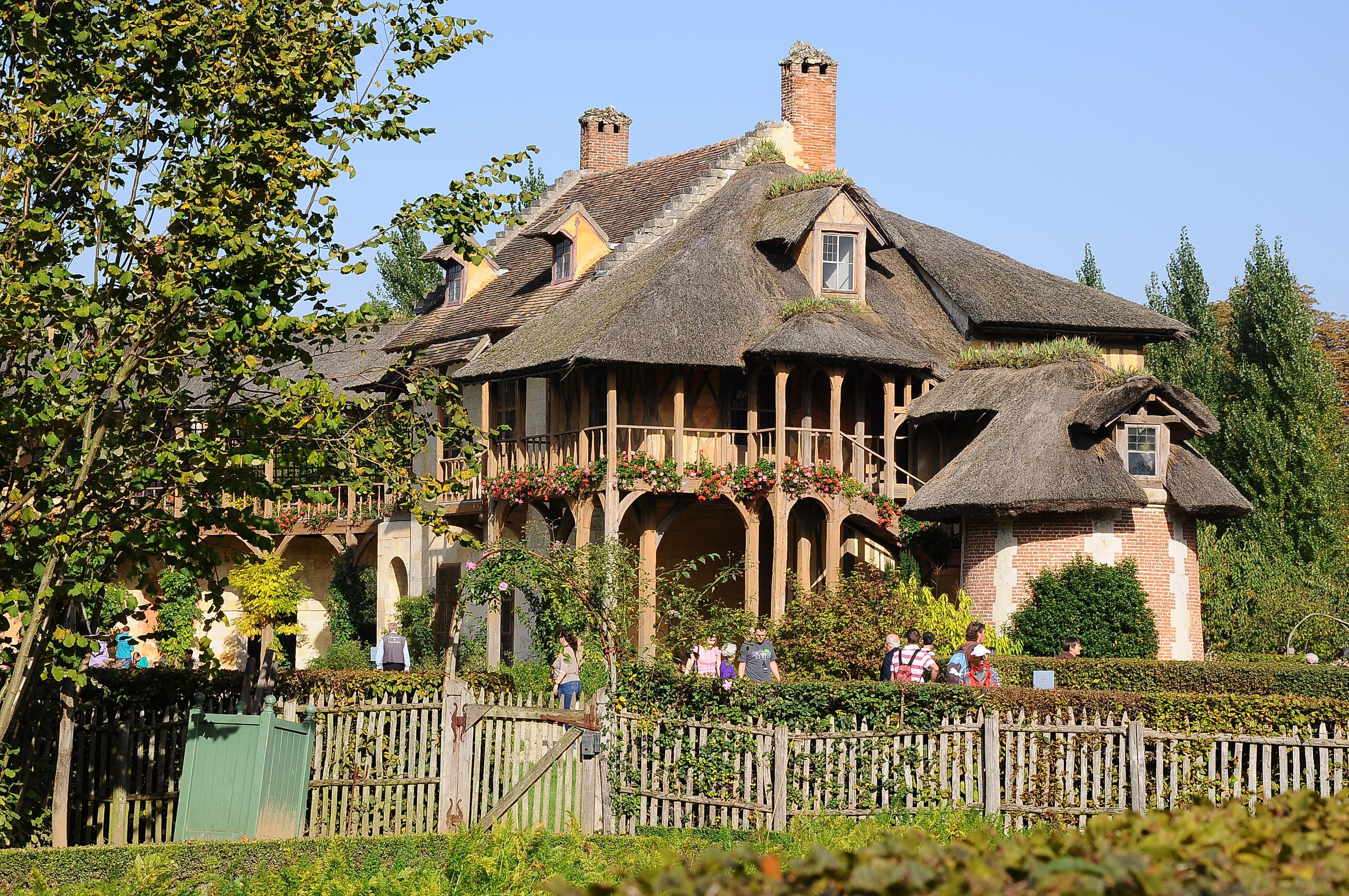 file maison de la reine au hameau versailles 013 jpg wikimedia commons. Black Bedroom Furniture Sets. Home Design Ideas