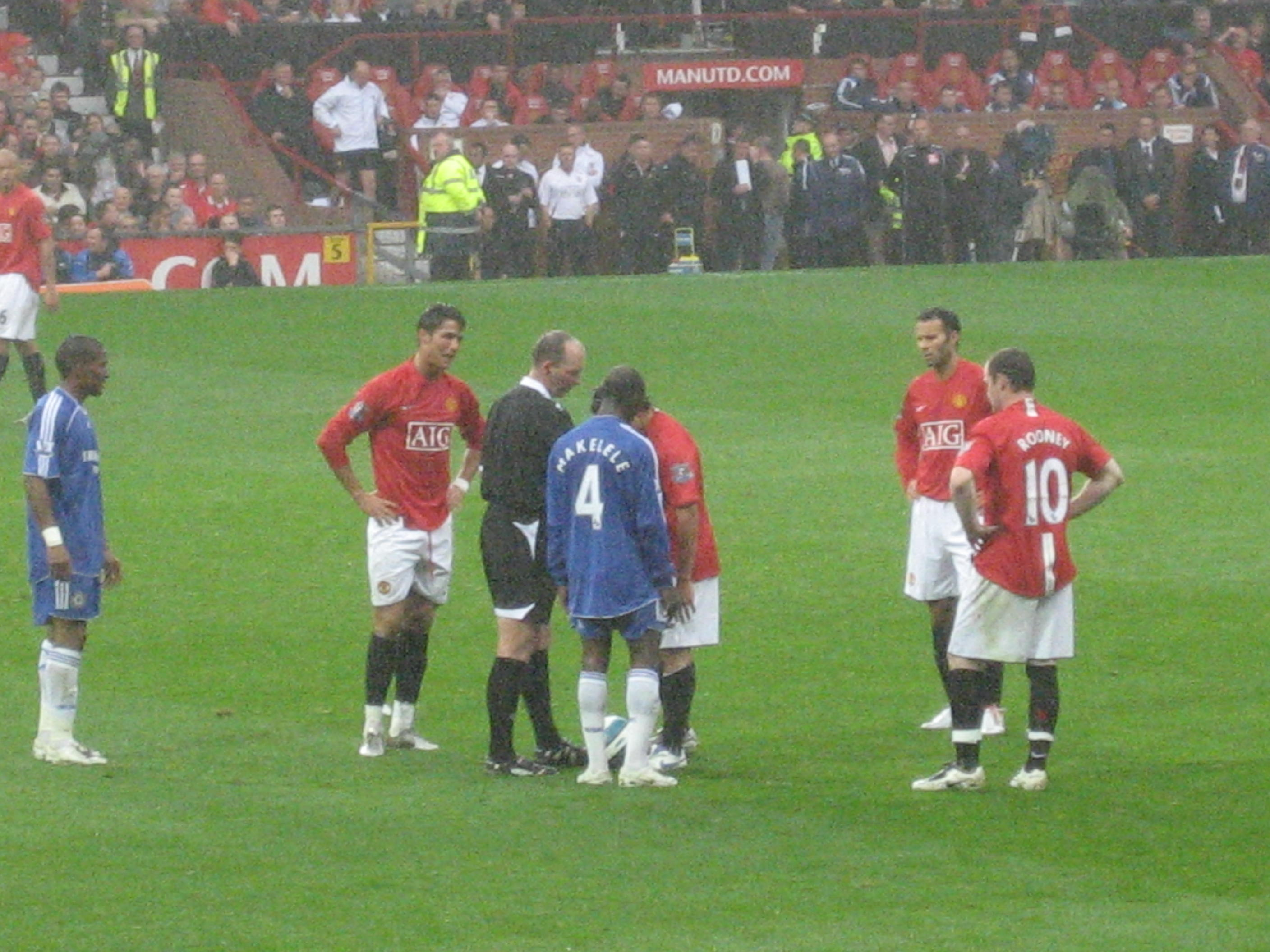 Chelsea Was That A Man: File:Man U Vs Chelsea Ref.jpg