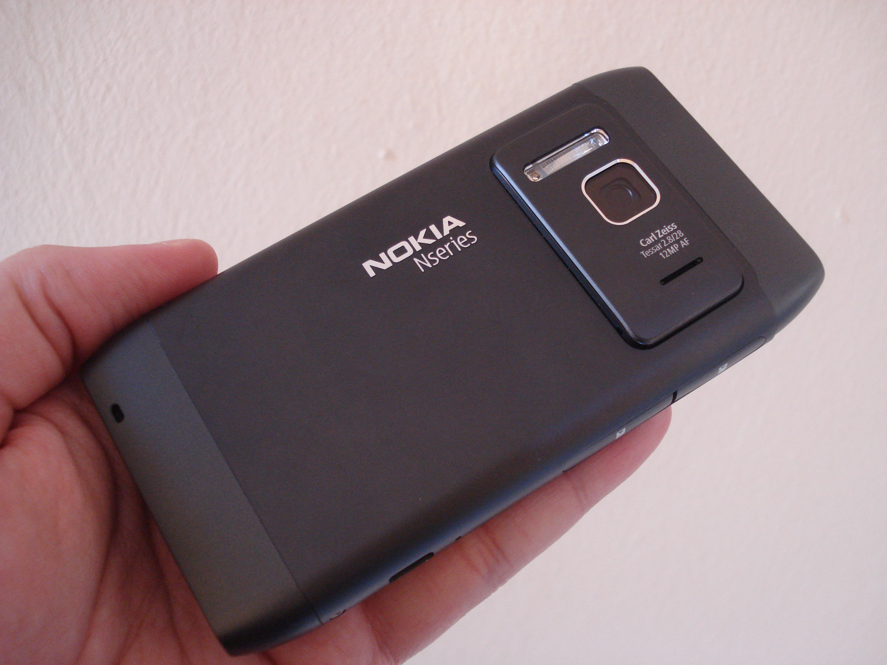 new arrival 001bd 24b34 File:Nokia N8 back.jpg - Wikimedia Commons