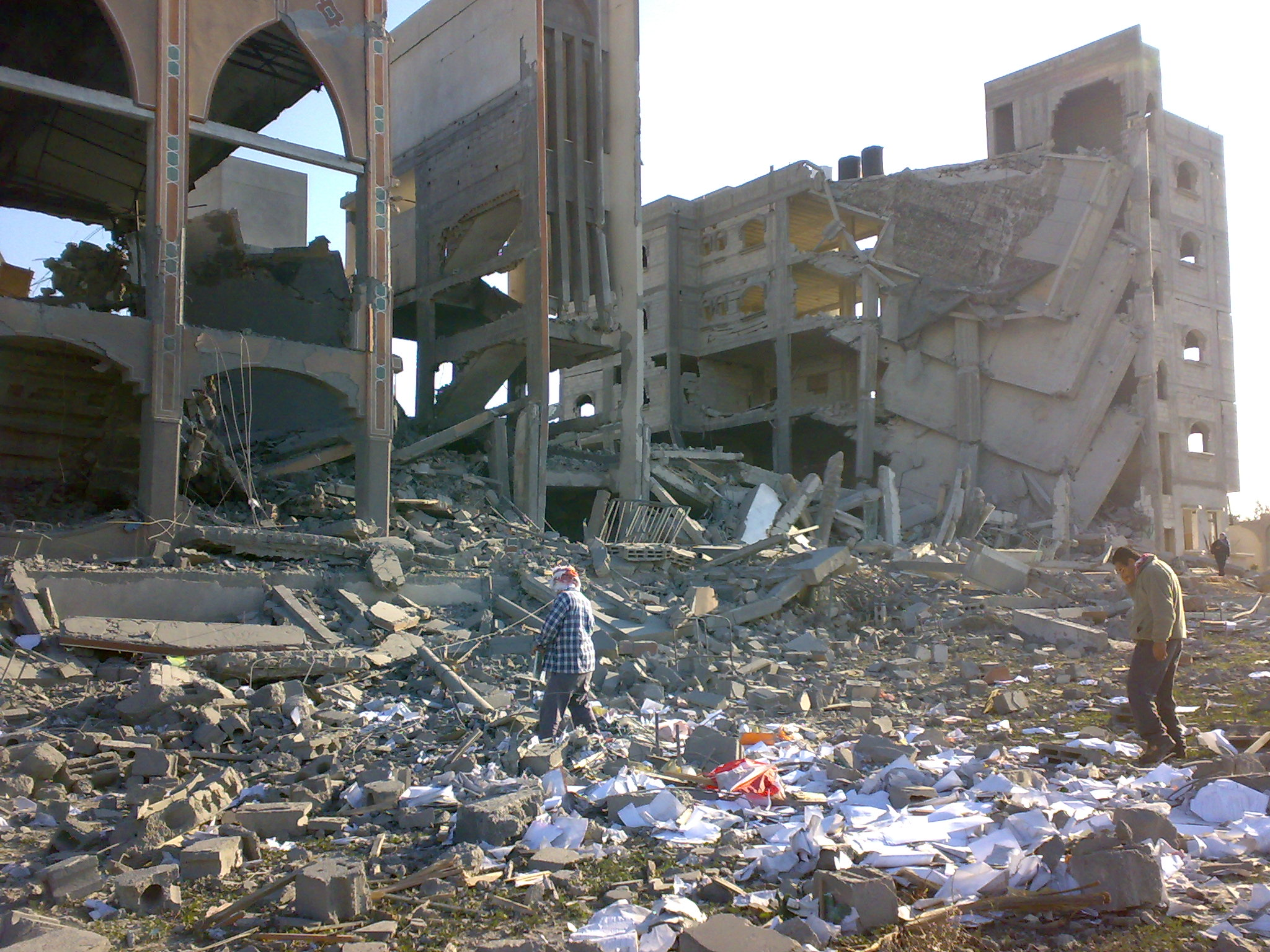 """Dar al-Fadila Association for Orphans, consisting of a school, computer center and mosque in Rafah serving 500 children, were destroyed by the Israelis during Israel's assault on Gaza. Image dated 12/1/09, found <a href=""""https://commons.wikimedia.org/wiki/File:Orphanschoolmosque.jpg"""">here</a>."""