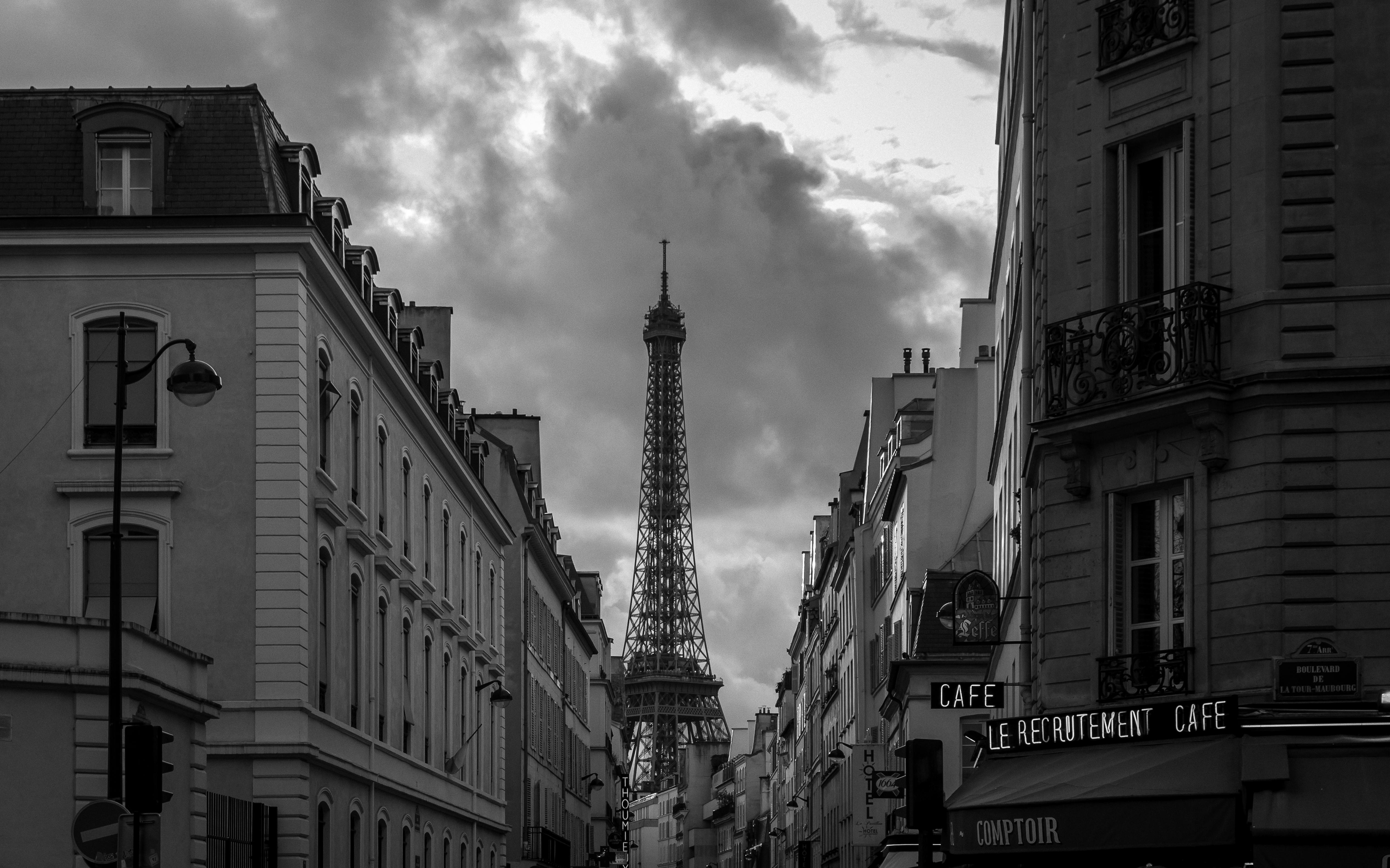File:Paris 75007 Rue Saint-Dominique x Boulevard de La Tour