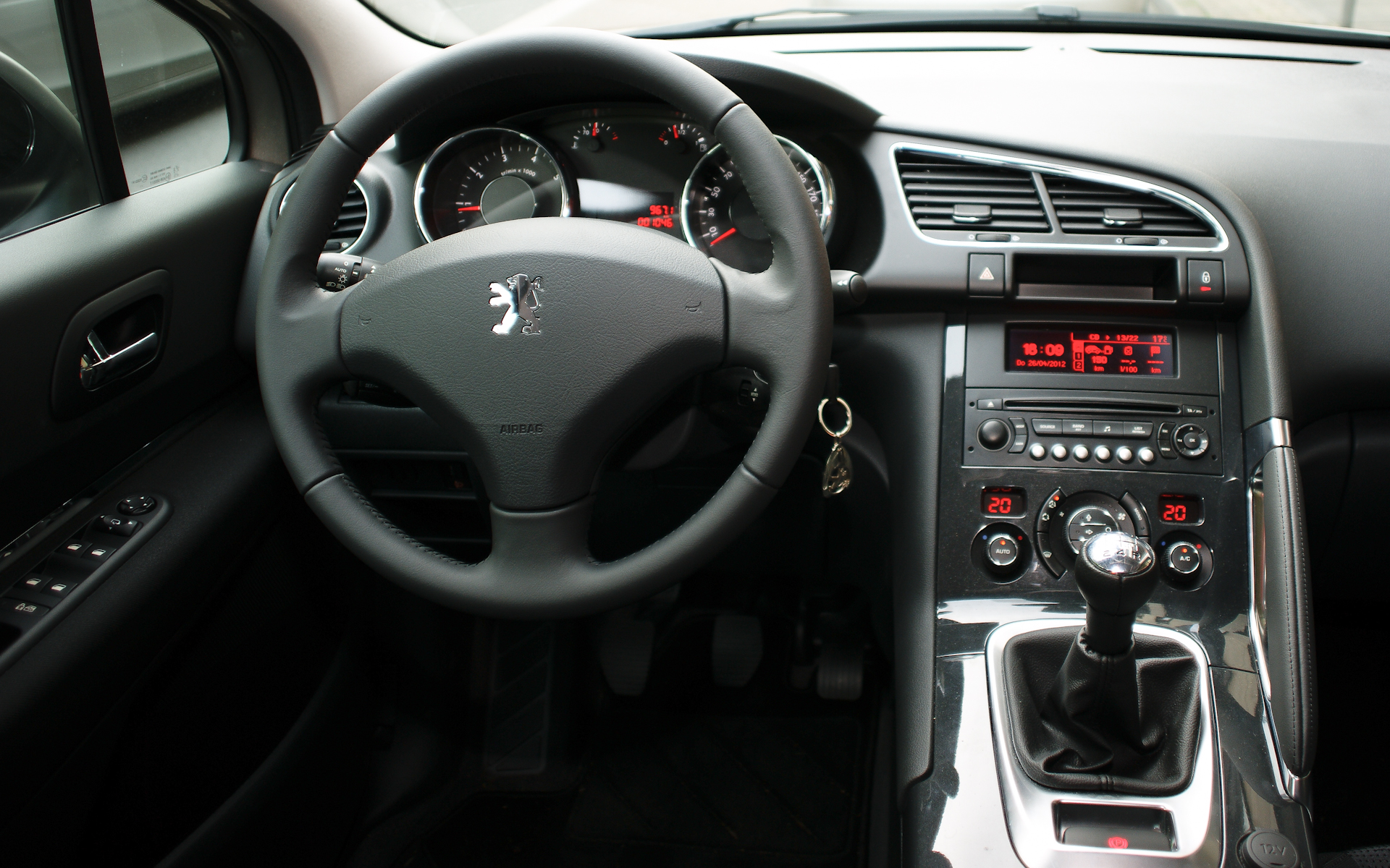 File peugeot 3008 cockpit wikimedia commons for Interieur 407