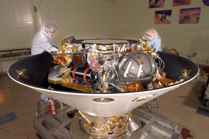 Phoenix Mars Lander inverted in backshell in cleanroom (PIA07246)