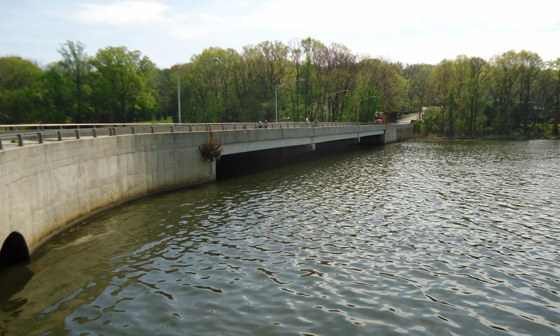 File pompton lake in pompton lakes nj for Fishing lakes in nj