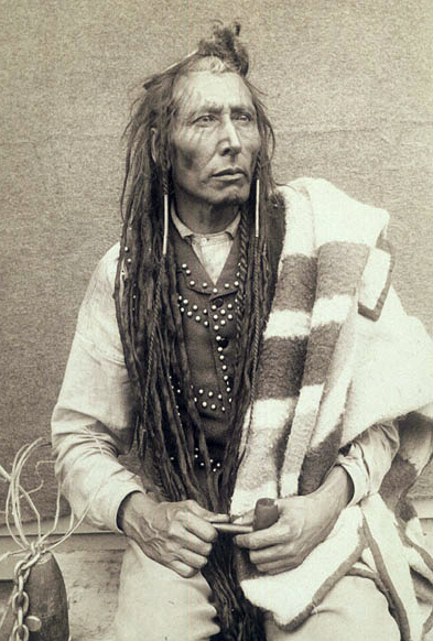Poundmaker By Prof. Buell, O.B. (Library and Archives Canada) [Public domain], via Wikimedia Commons