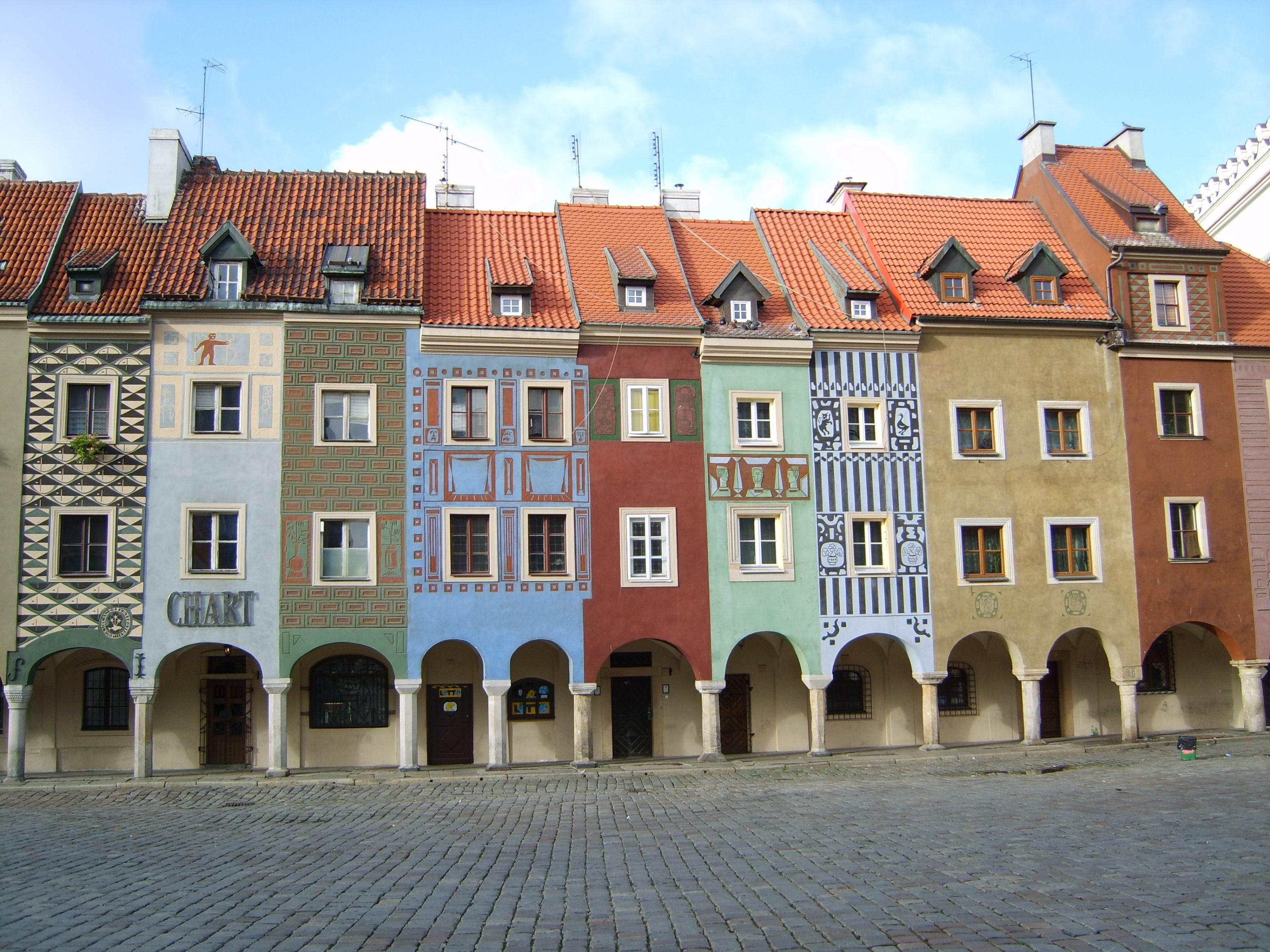 File:Poznań Stary Rynek, domki budnicze ...