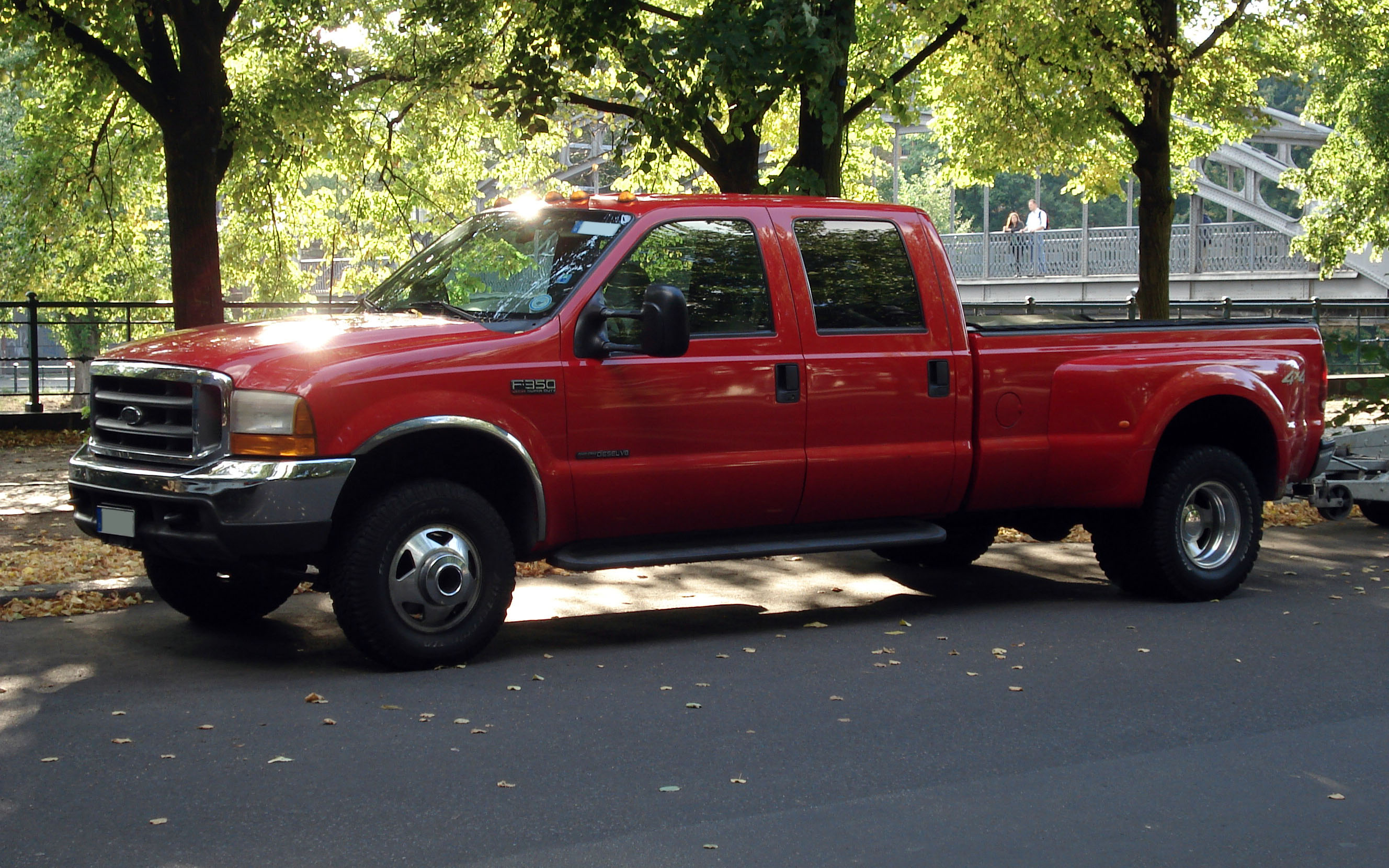 File:Red Ford F-350.jpg