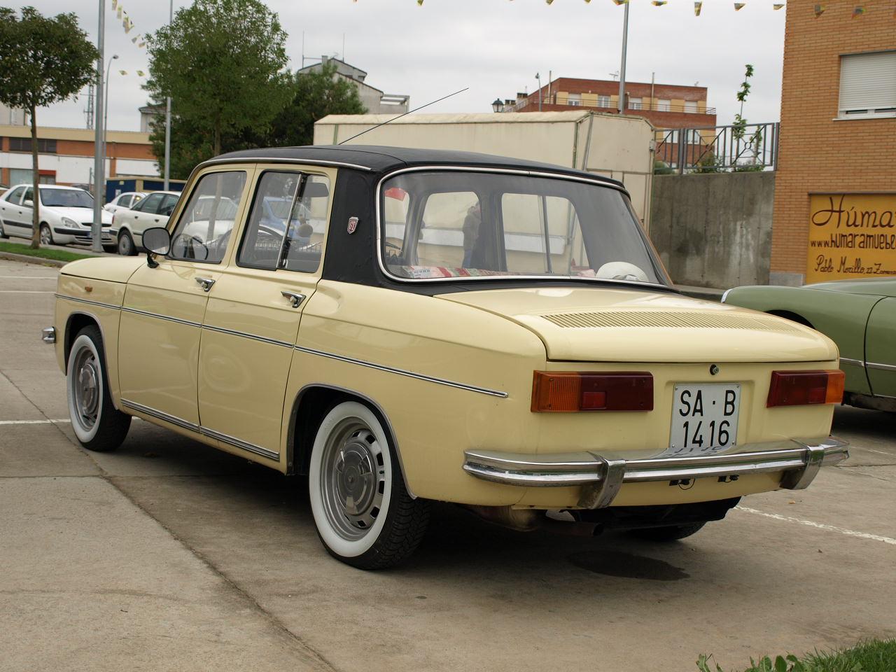 Renault_8_(1974)_20080511_719