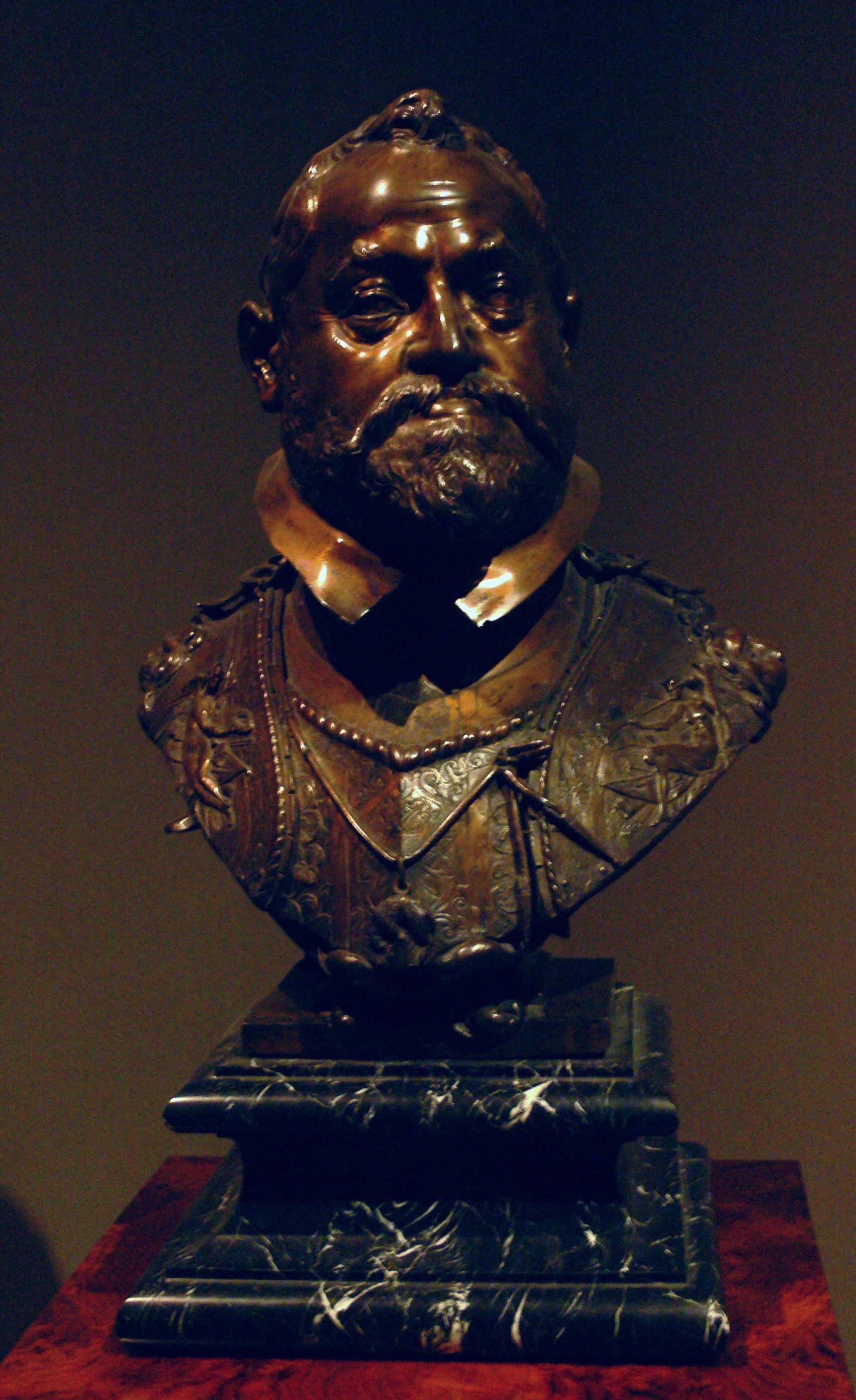 File:Rudolf II Büste von Adriaen de Vries 1607 KK5491.jpg ...