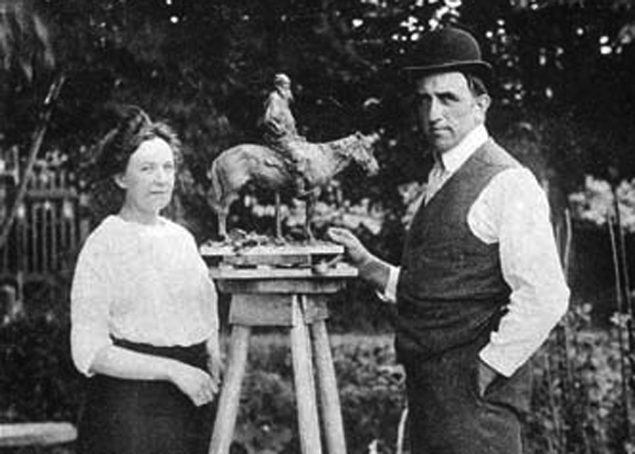 Sculptor Paul Troubetzkoy with his wife. Sculpts the figure of Leo Tolstoy on a horse. 1899. (photo fragment).jpg