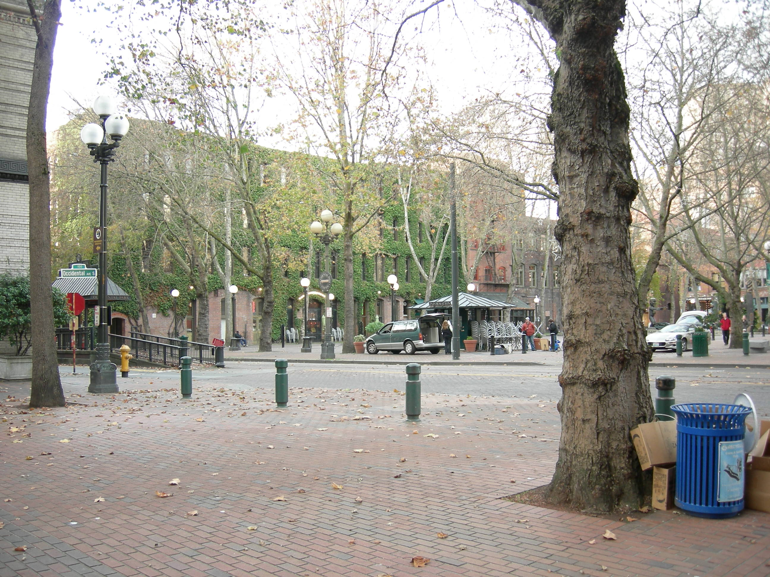 File Seattle Occidental Park From Southeast Jpg Wikimedia Commons