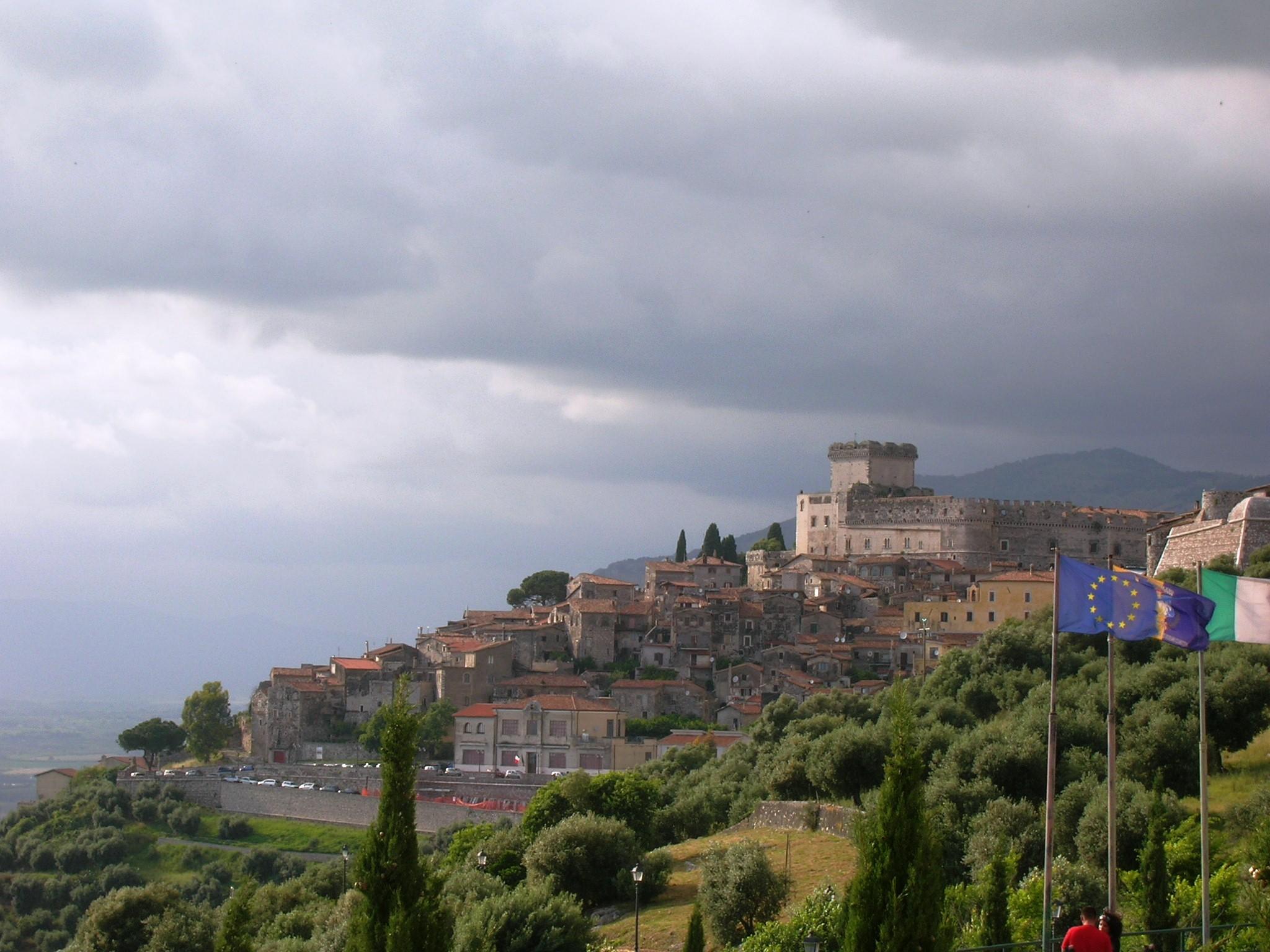Sermoneta mit dem Castello Caetani