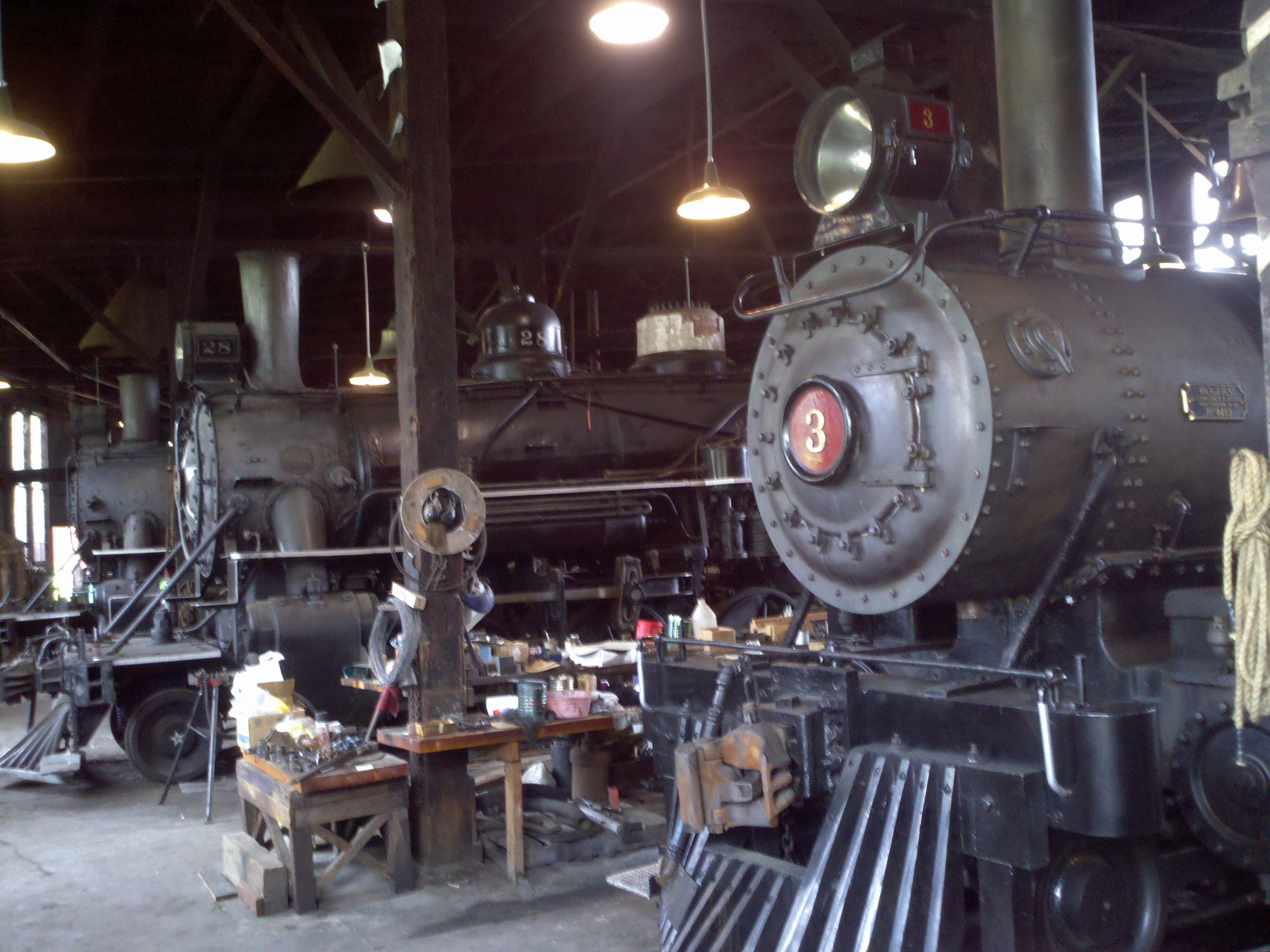 File:Sierra No  3 in roundhouse jpg - Wikimedia Commons