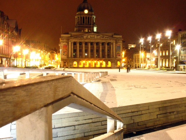 File:Snow in Nottinghams Market Square 9.50ish pm - geograph.org.uk - 1143832.jpg