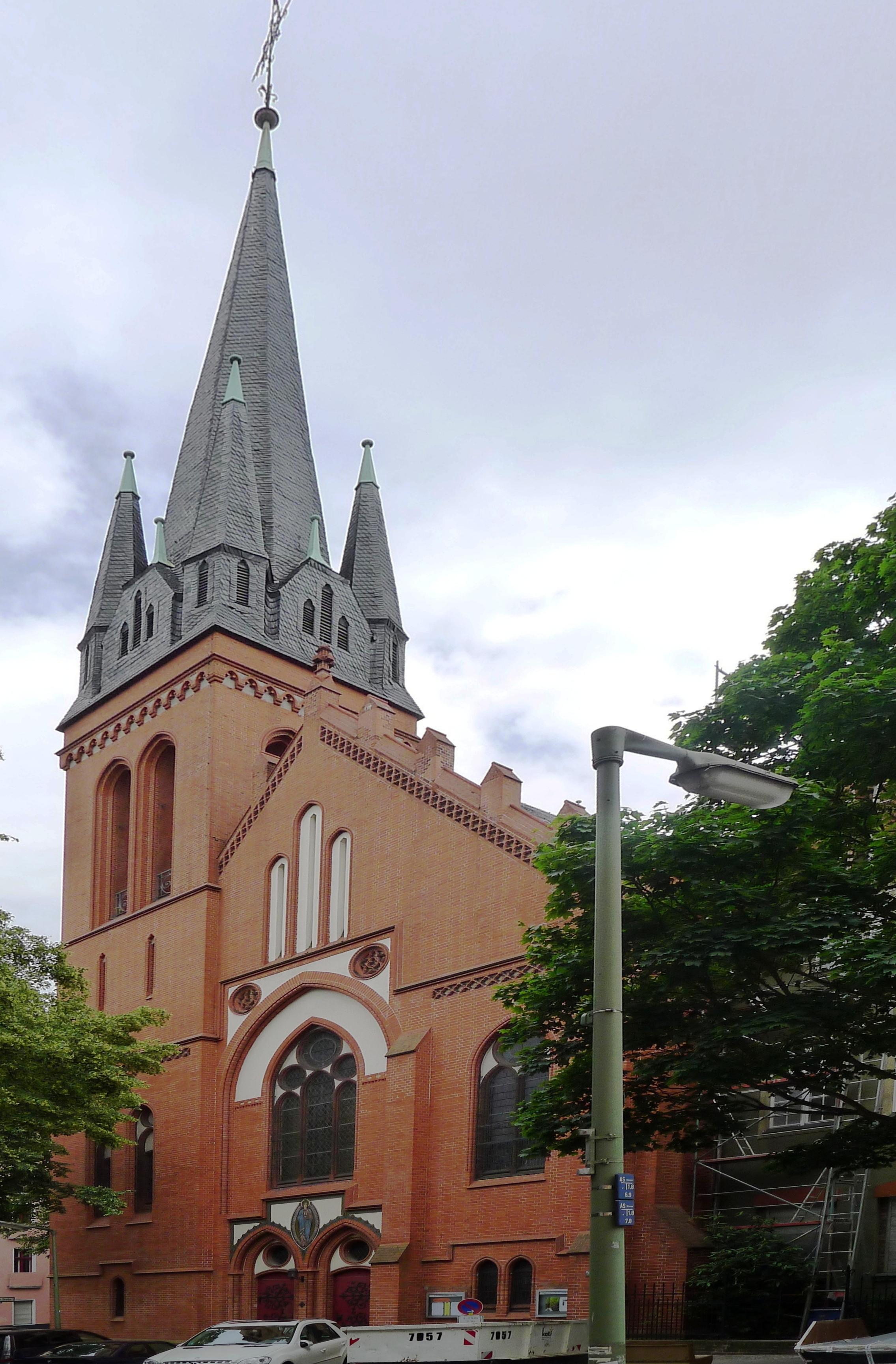 Fichier:St.-Clara-Kirche (Berlin-Neukölln).JPG