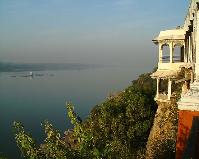 चित्र:Stay view from terrace west big.jpg