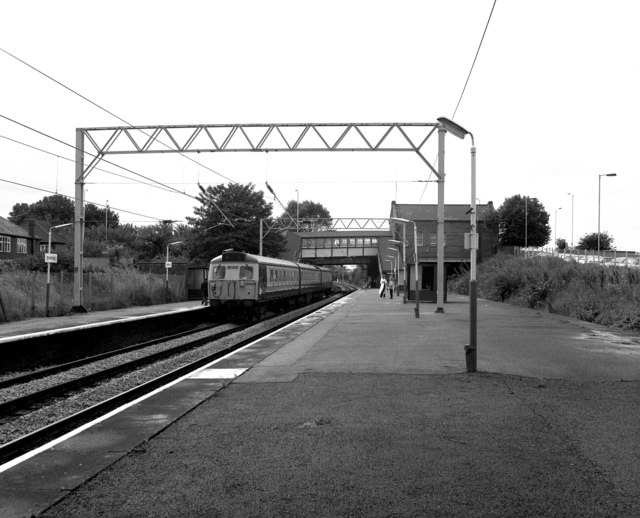 File:Stretford station - geograph.org.uk - 706936.jpg