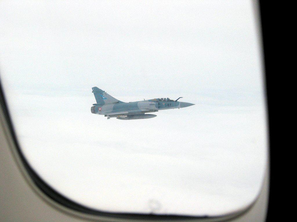 Escolta Militar a una aeronave Civil.