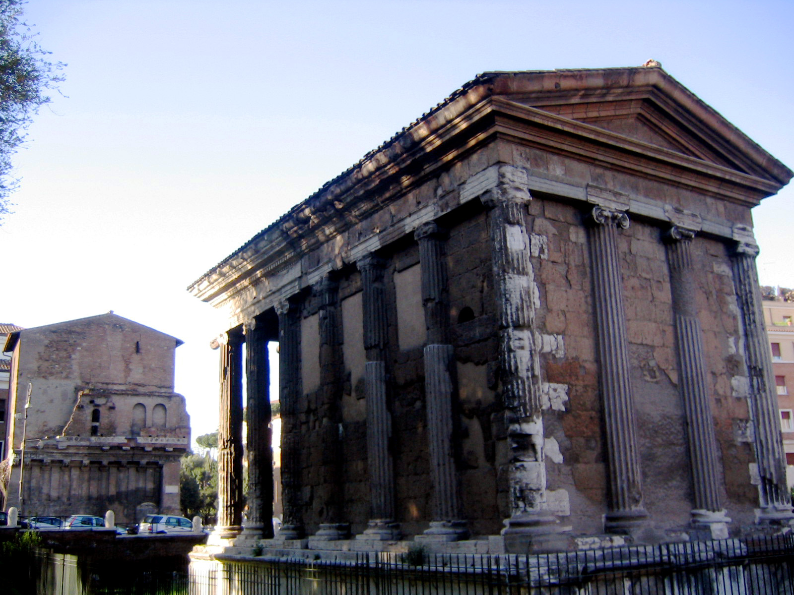 File:Temple of portunus back.jpg - Wikimedia Commons