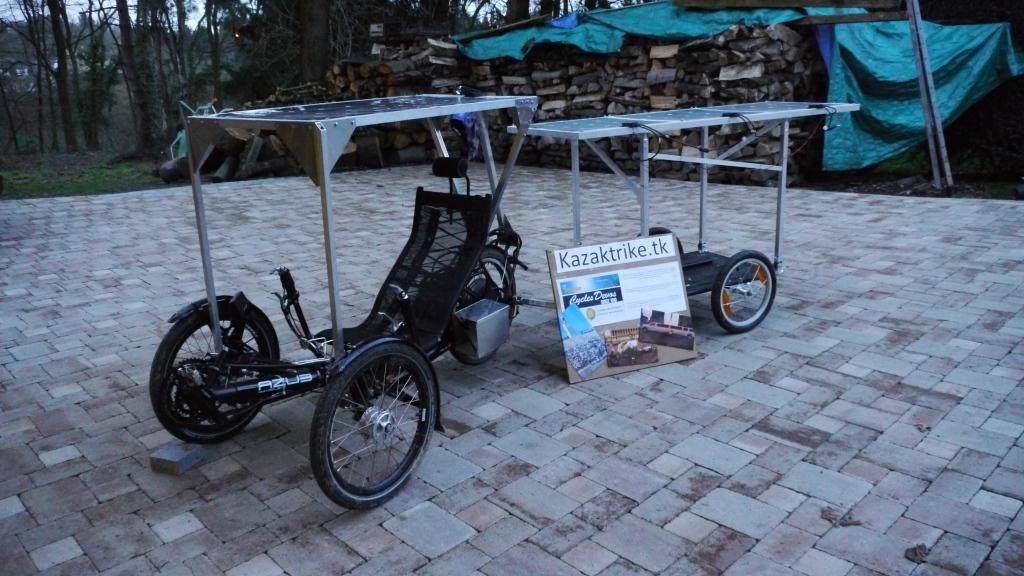 Description Vélo Trike électrique solaire (panneaux photovoltaïques ...