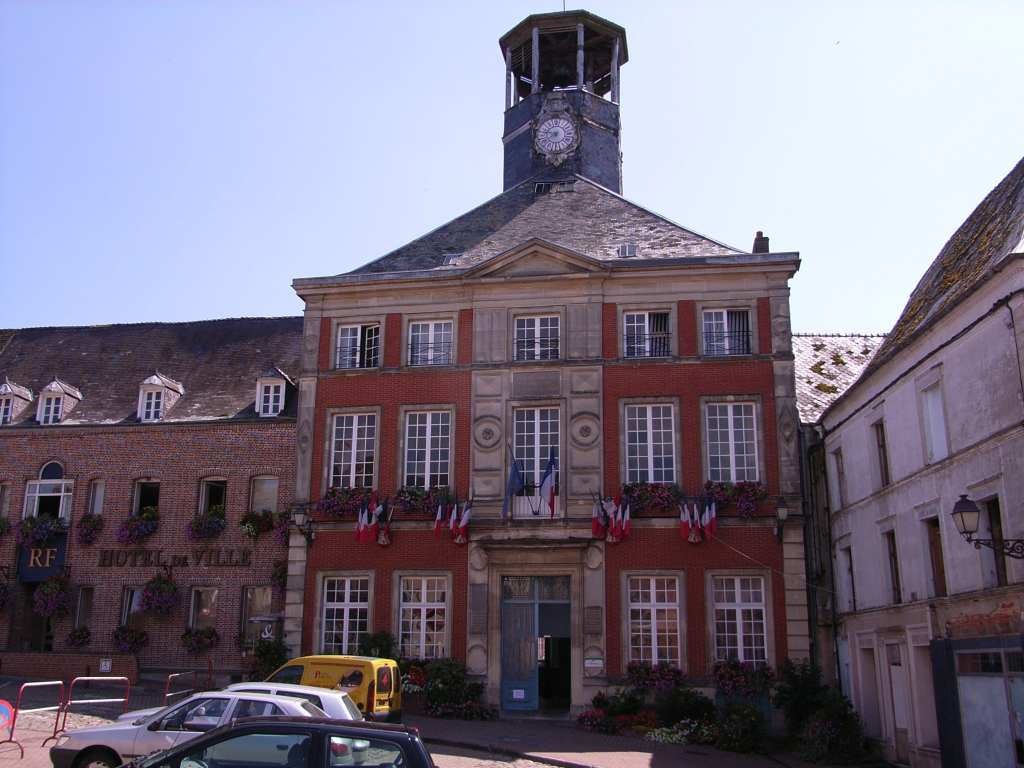 Vervins wikipedia for A la maison translation