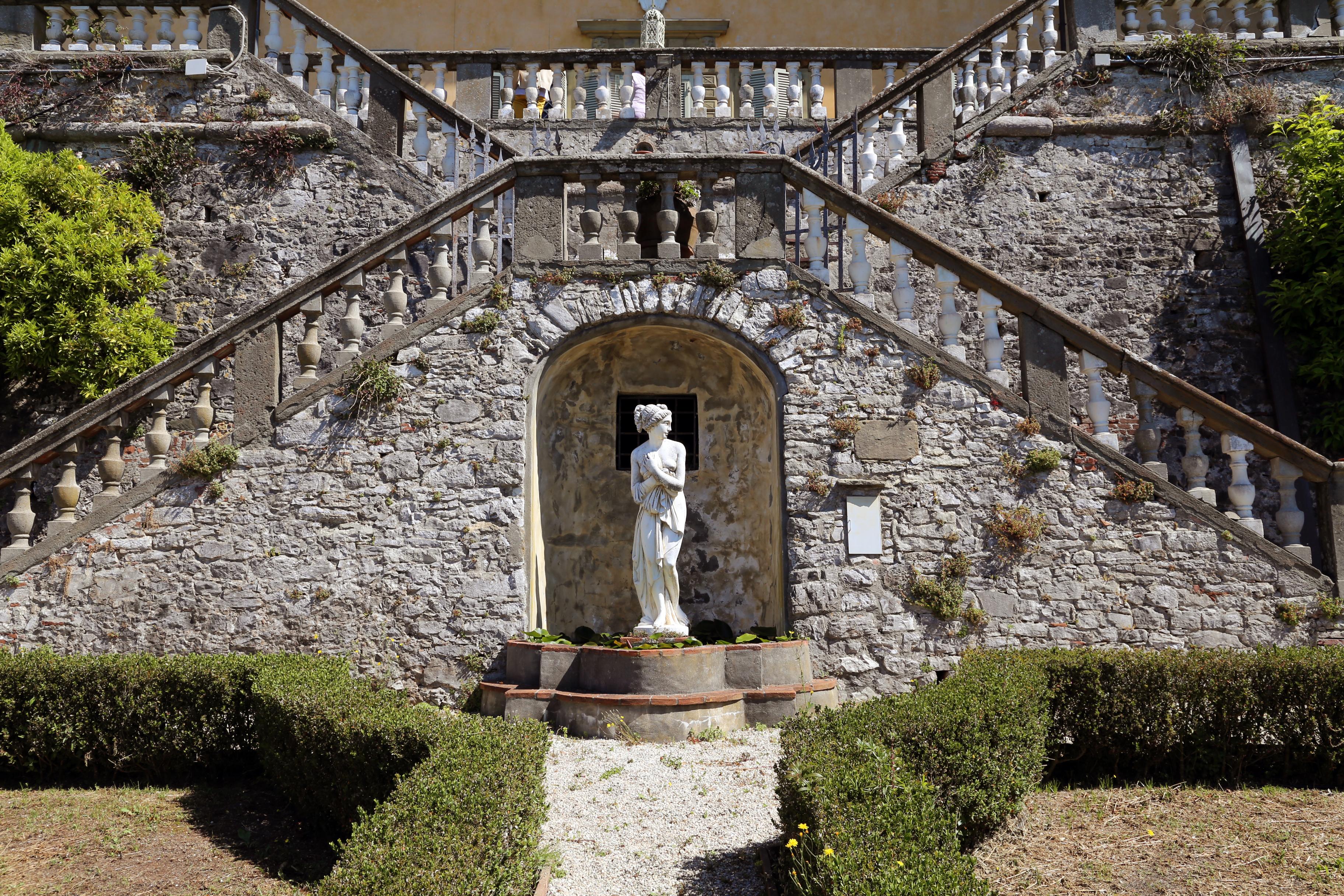File villa paolina di compignano giardino all 39 italiana for Piani di villa italiana