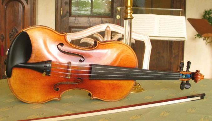 File:Violin Vuillaume.jpg