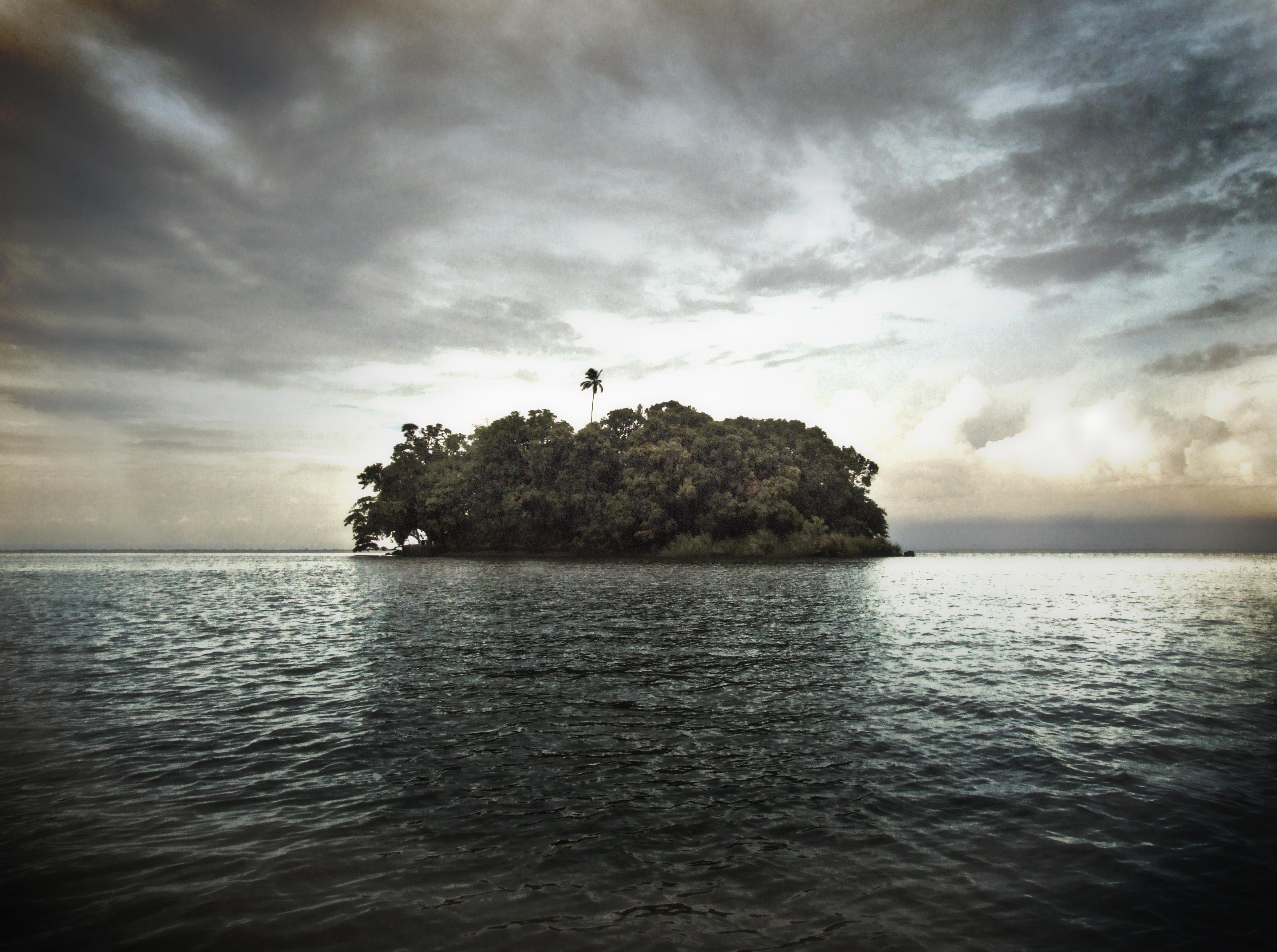 File:Volcanic Island.jpg