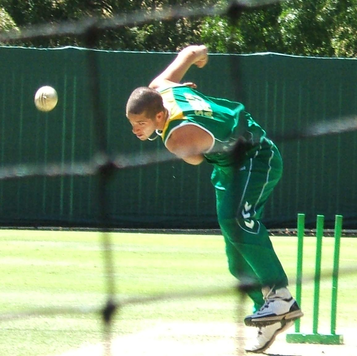 Wayne Parnell bowling 4 - Proteas paceman Wayne Parnell converts to Islam