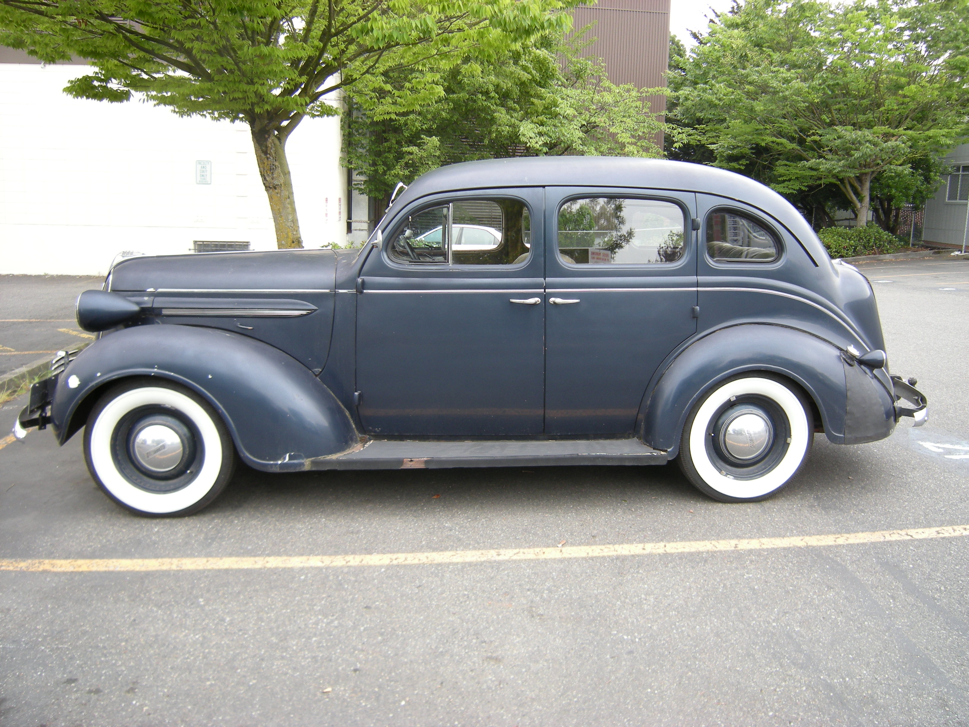 Steves auto restorations 1931 chevrolet autos for 1930 plymouth 4 door sedan