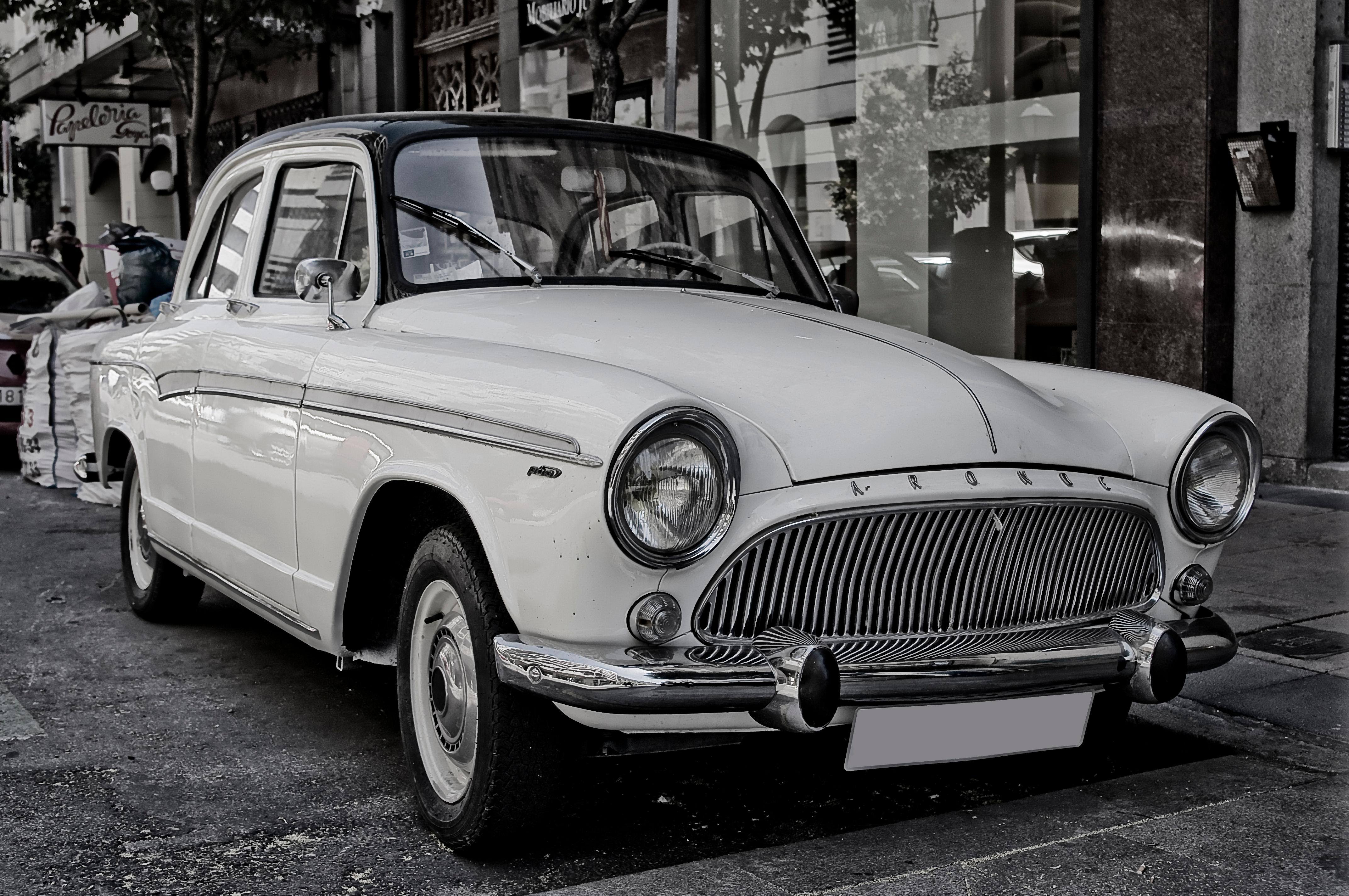 File:1959 Simca Aronde P60 (6330388522).jpg - Wikimedia Commons