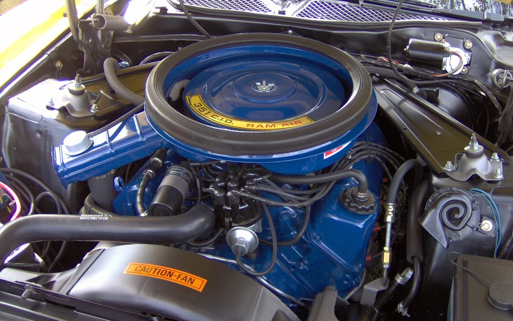 File:1973 Ford Mustang Mach 1 351 Ram Air engine.JPG ...