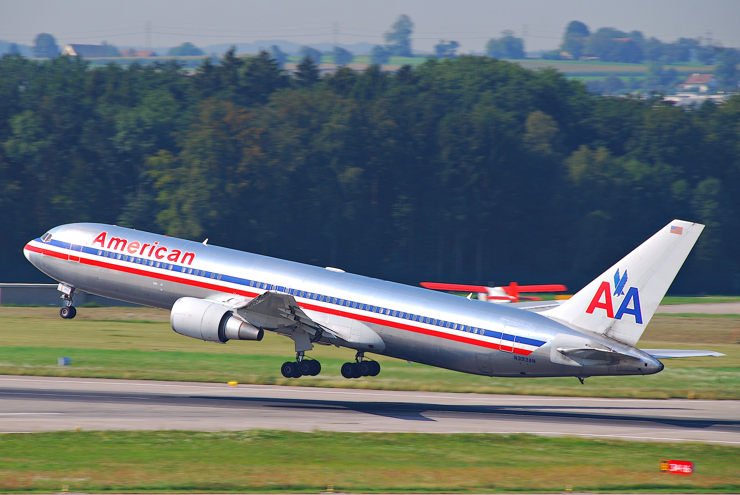 File:American Airlines Boeing 767-300; N393AN@ZRH;20.08 ...