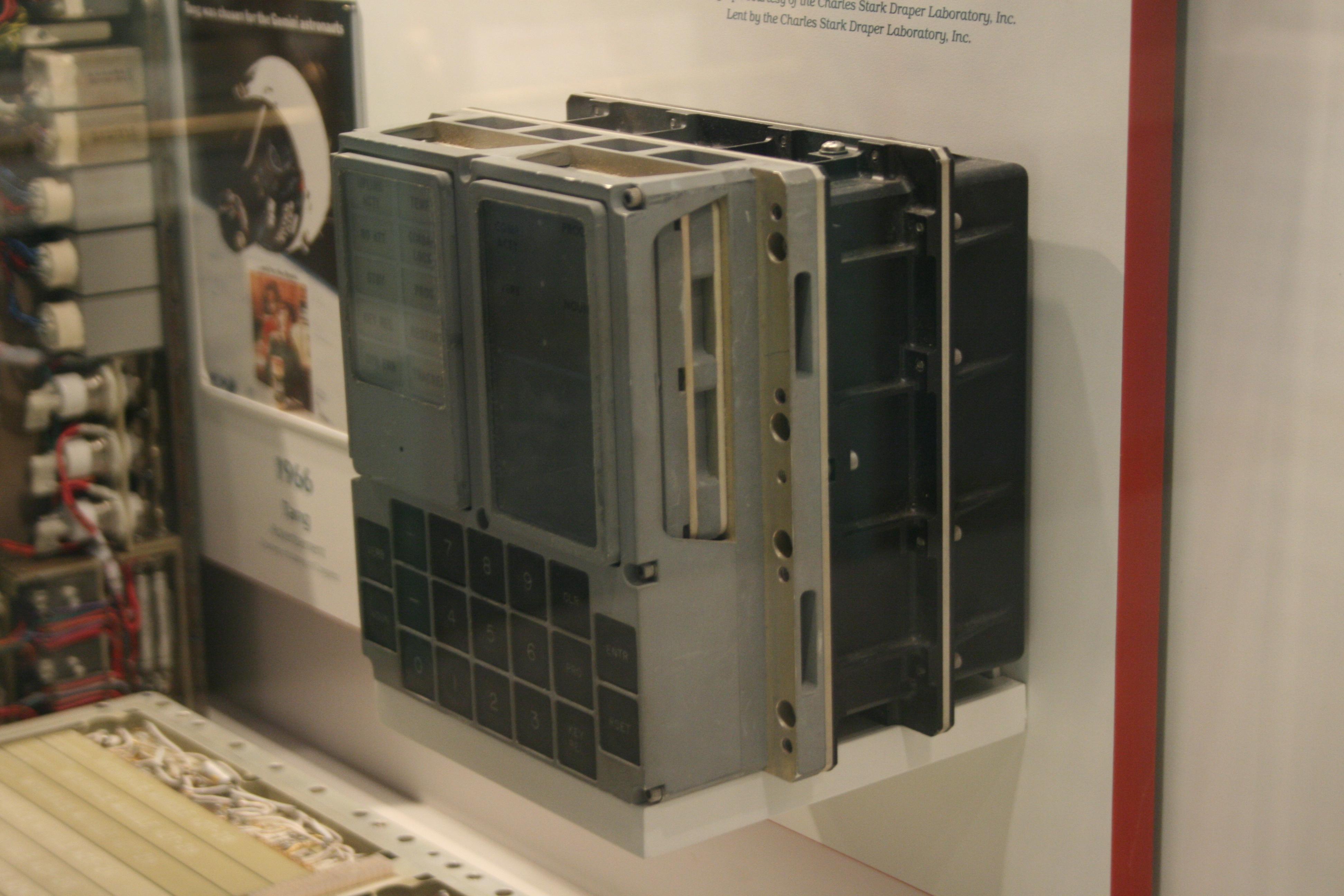apollo spacecraft computer - photo #7