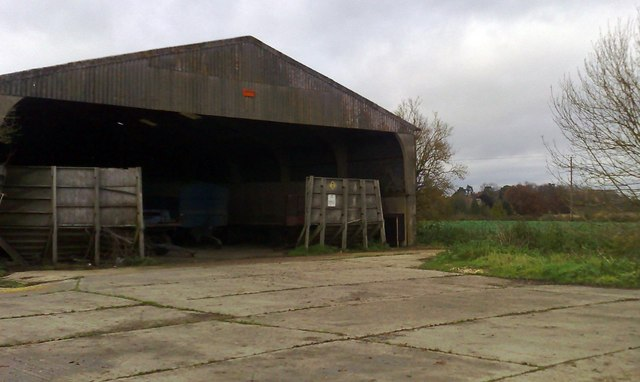 File:Barn, near Chetwode - geograph.org.uk - 1045964.jpg