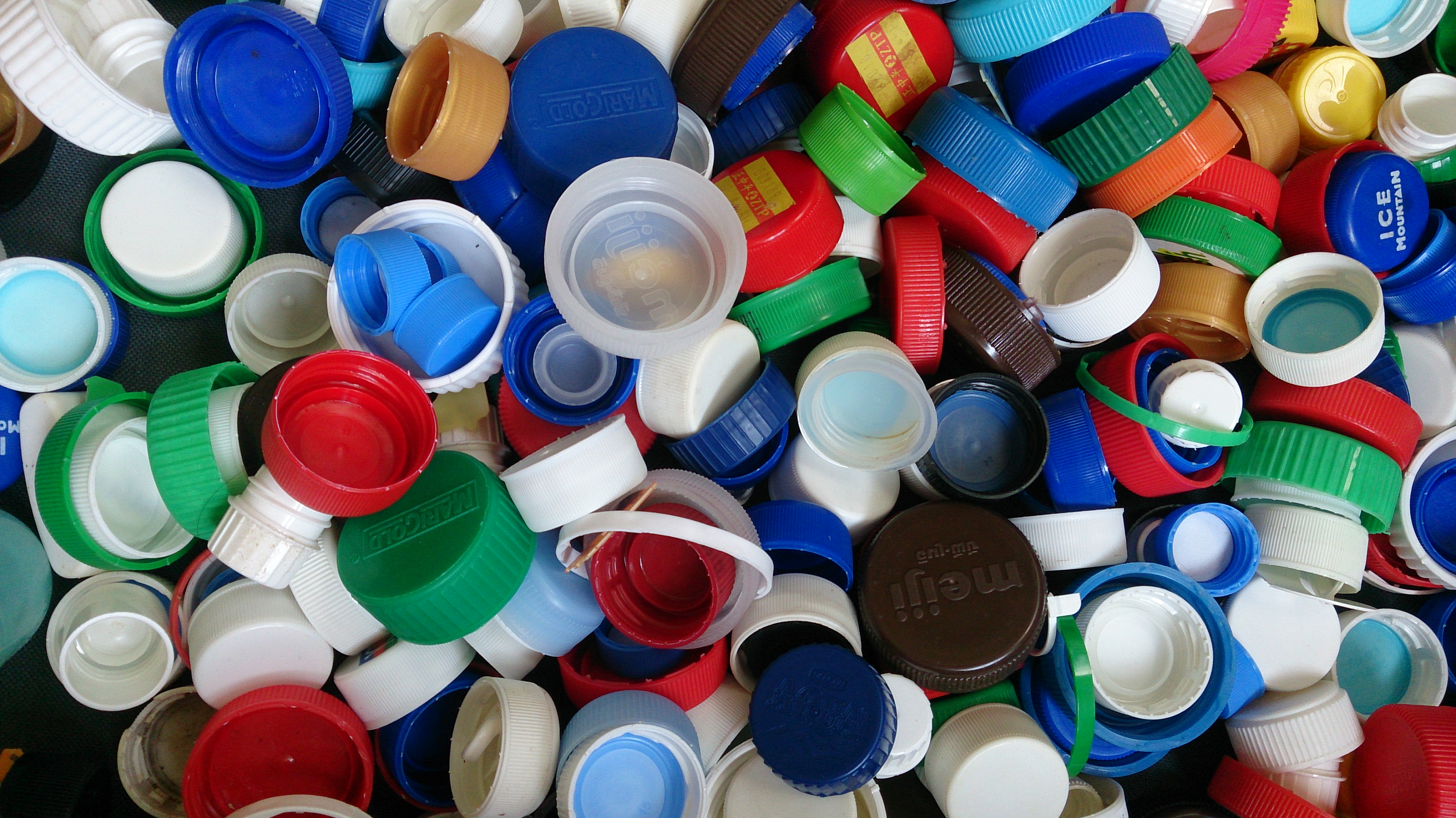 recycle caps of plastic bottles, changing the world