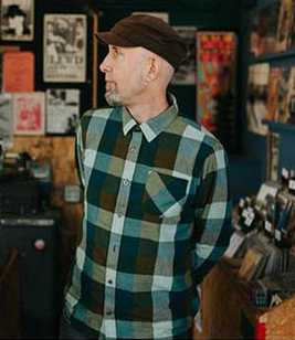 Bruce Pavitt founder of Sub Pop records, 2015.png