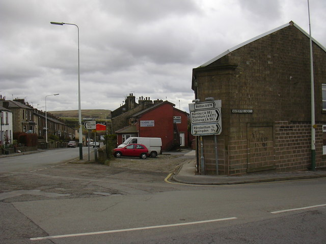 Bury Road, Bolton Road North Junction - geograph.org.uk - 721770