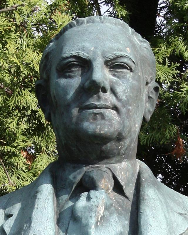 Bust of Nezval by [[Jan Simota]] in [[Dalešice (Třebíč District)|Dalešice]]
