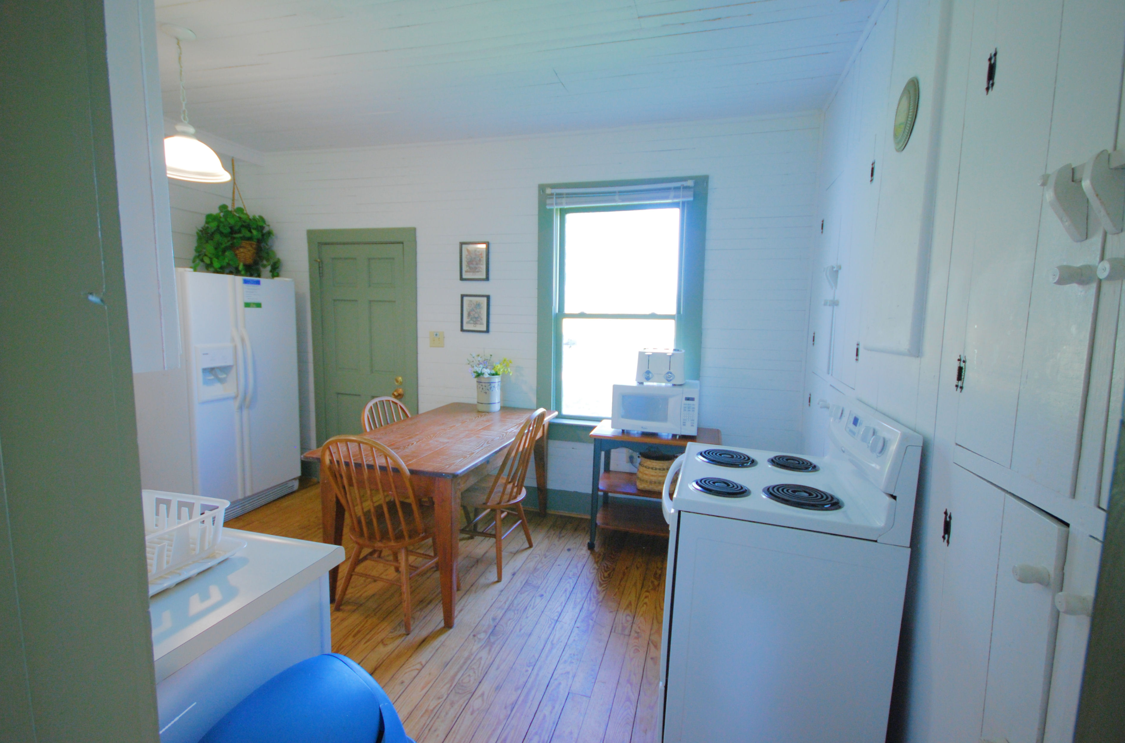 File:CPSP Cabin 2 kitchen from pantry chippokes (18867000591).jpg ...