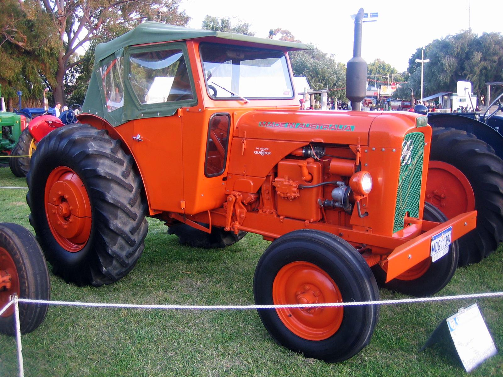 Champion Tractor Seats : File chamberlain g champion tractor at perth royal
