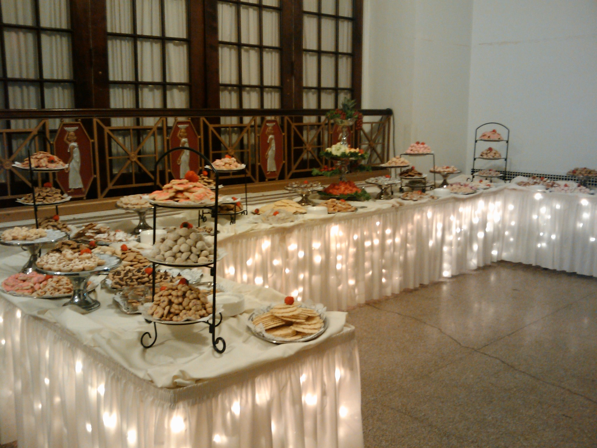 Wedding Receptions Tables.Cookie Table Wikipedia