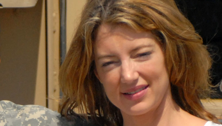 File:Cynthia Watros in Iraq.